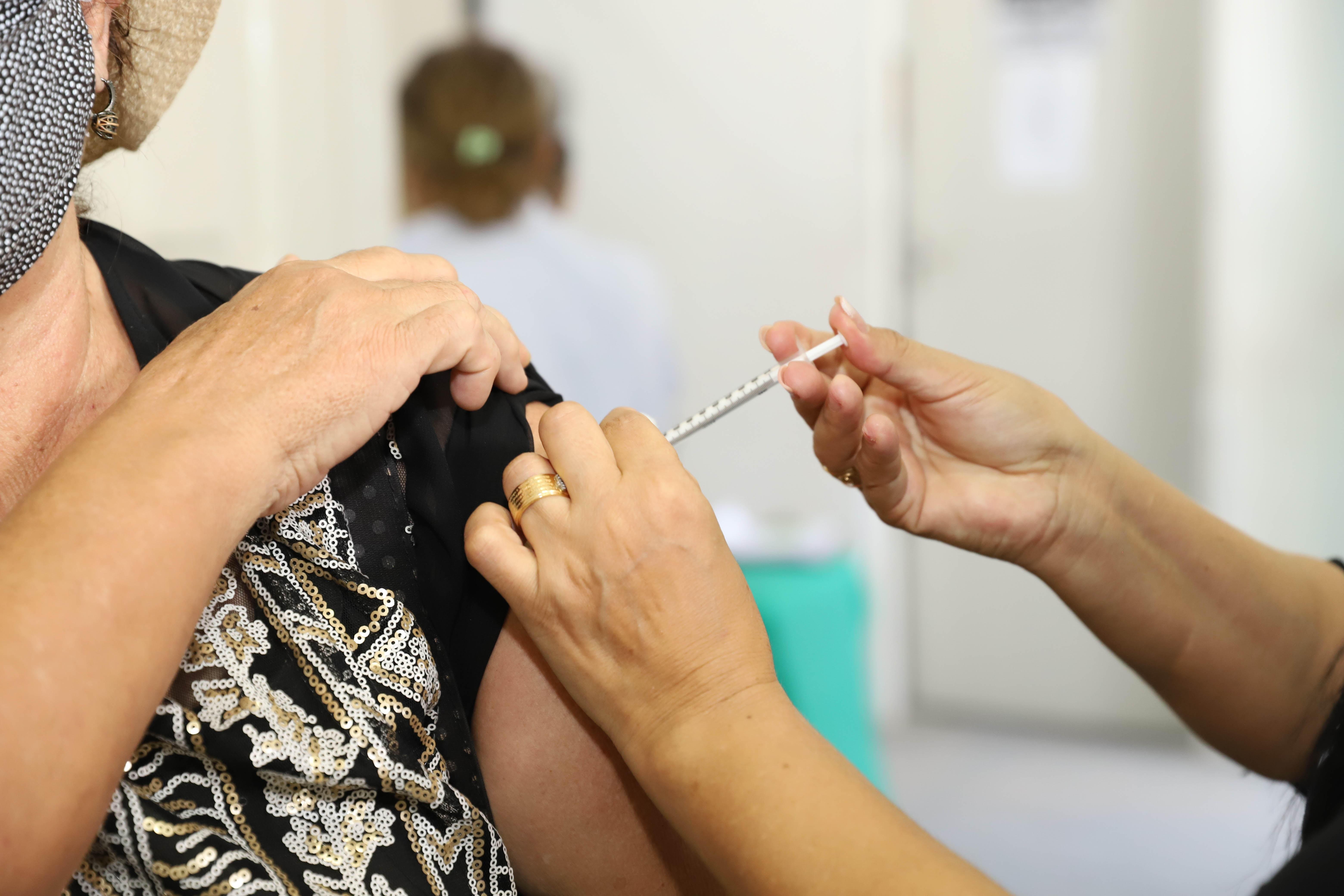 Cabedelo, PB, inicia vacinação em pessoas sem comorbidades a partir de 44 anos nesta quinta (24)