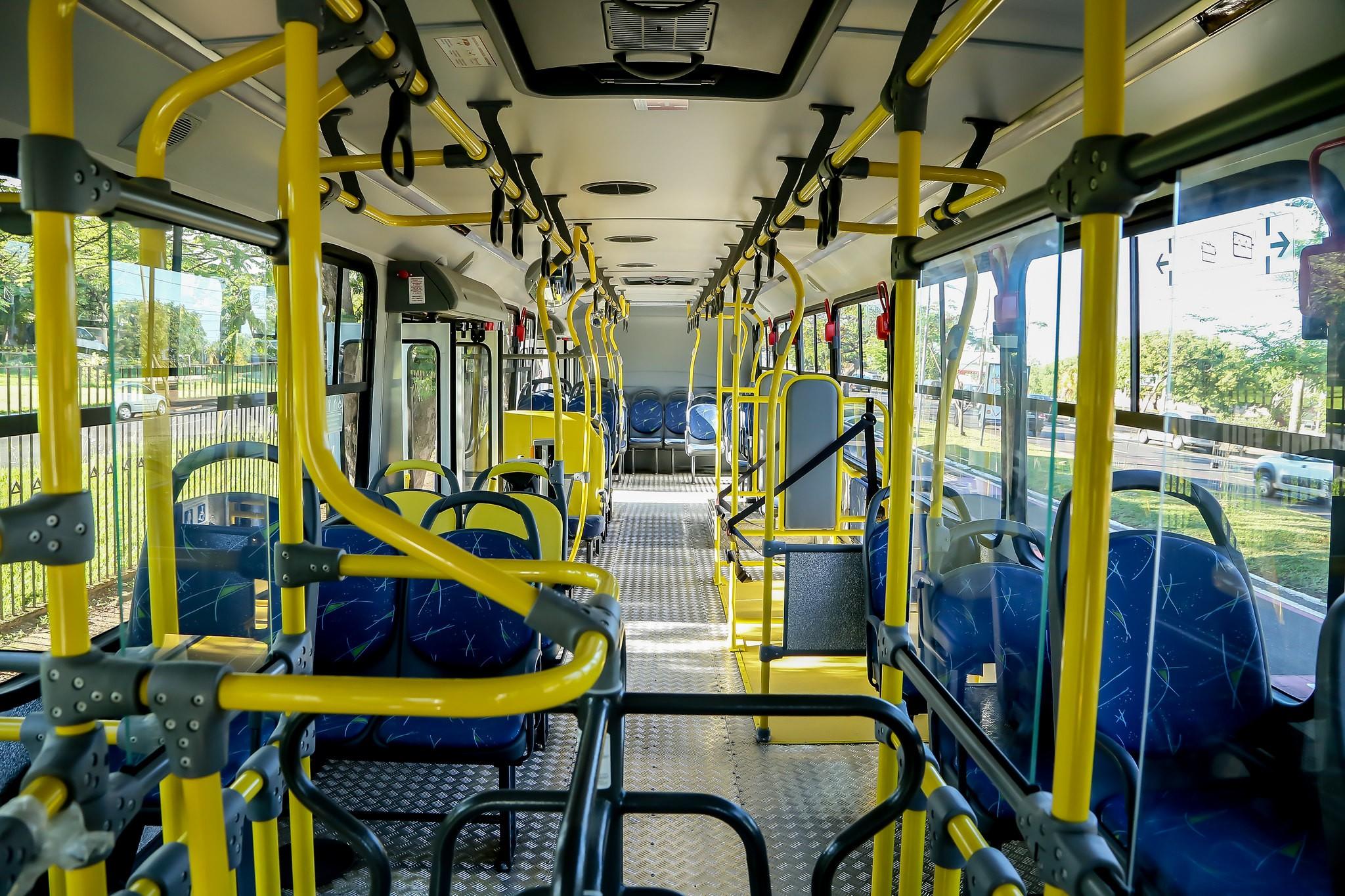 Covid-19: Prefeitura de Uberaba aumenta número de passageiros em pé no transporte coletivo e libera público em atividades esportivas coletivas